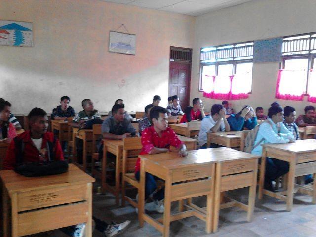 Ujian Nasional Paket B di Kecamatan Ujanmas, Muara Enim
