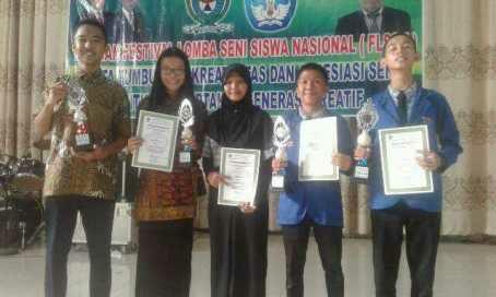 Empat siswa SMAN 1 Ujanmas meraih 4 gelar juara di FLS2N 2016 se-Kabupaten Muara Enim