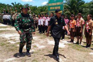 Bupati Muara Enim Muzakir Sai Sohar membuka pelaksanaan TMMD di Kabupaten Muara Enim, di Desa Harapan Jaya, Kecamatan Muara Enim, Selasa (20/9/2016)