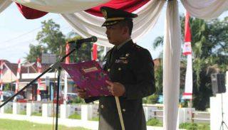 Dandim 0404 Muara Enim, Letkol. Inf. Jamaludin menjadi inspektur upacara peringatan Hari Kesaktian Pancasila, di Lapangan Merdeka, Muara Enim, Senin (03/10/2016).